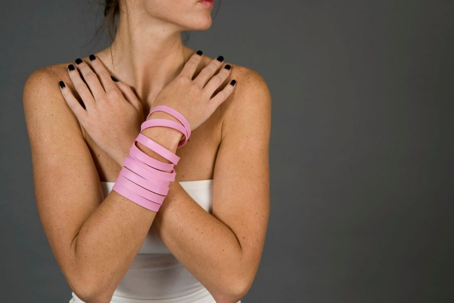 woman crossing arms across her chest